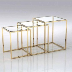 table gigogne plexiglas excellent set de tables gigogne plexiglas with table gigogne plexiglas. Black Bedroom Furniture Sets. Home Design Ideas